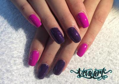 Magenta a fialove glitry